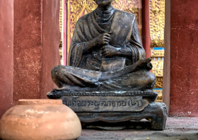 D8_21-CNX-temple-021