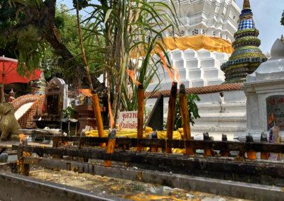 D8_29-CNX-temple-023